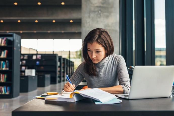 Ders Çalışanlar ve Evden İş Yapanlar: Daha Fazla Verim Almak Adına Neler Yapmalısınız?