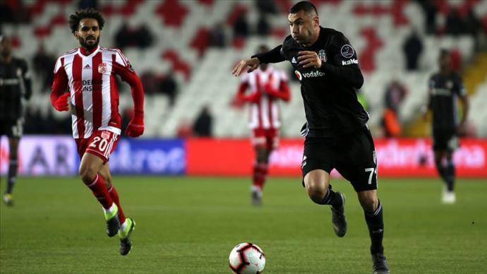 Spor Toto Süper Lig'de Zirve Alev Alev (Sivasspor 1 -2 Beşiktaş)