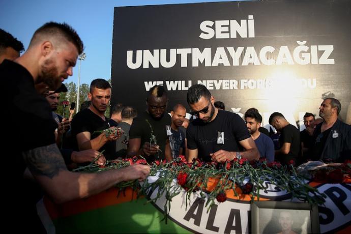 Alanya Müftülüğü'nün Hayatını Kaybeden Futbolcu Josef Sural Hakkında Yaptığı Paylaşım Tepki Çekti