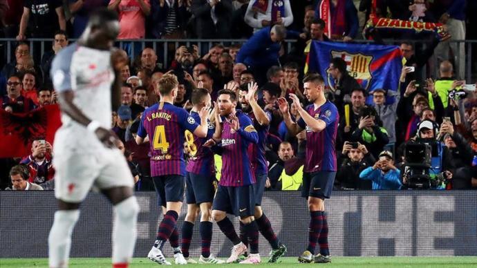Barcelona Finalin Kapısını Araladı (Barcelona 3 - 0 Liverpool)
