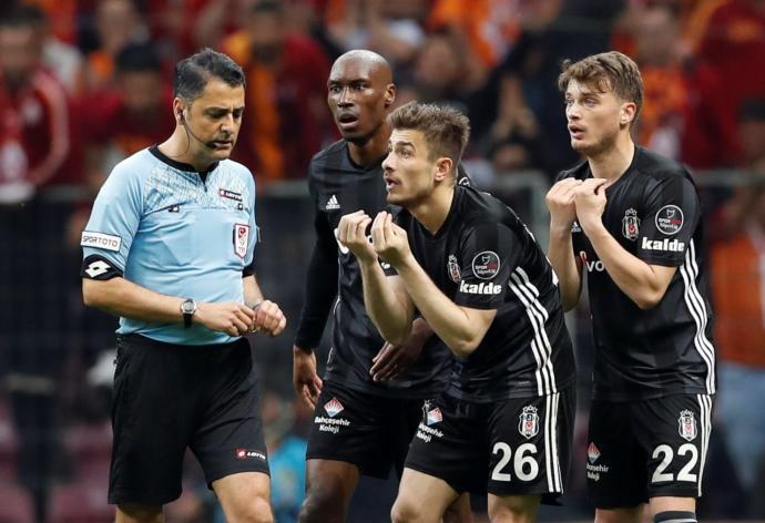 Maç Sonucu: Galatasaray 2 - 0 Beşiktaş (Ligin Yeni Lideri Galatasaray)