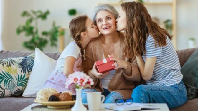 Eyvah, Anneme Hala Hediye Alamadım Diyenler; Bu Yazı Sizin İçin!