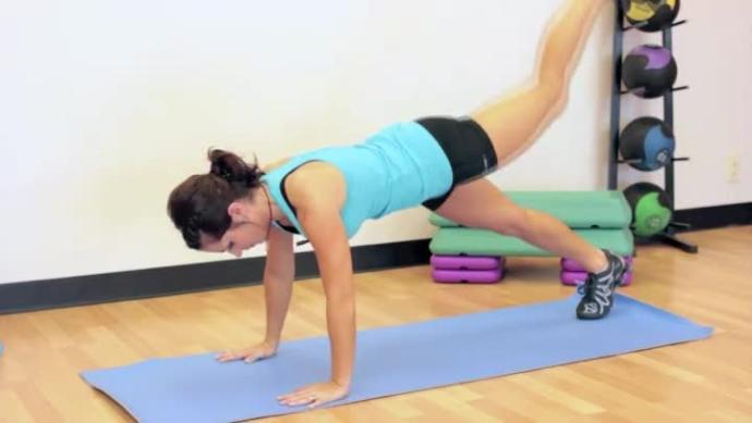 Daha Pürüzsüz Bacaklar İçin Mutlaka Uygulaman Gereken 6 Şey