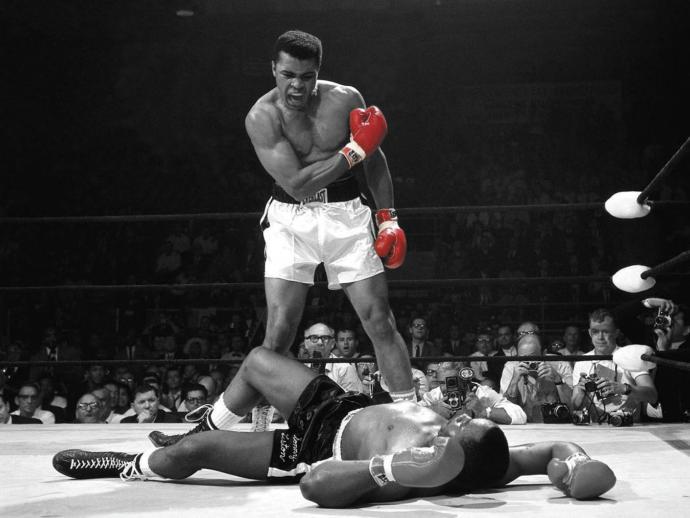 Muhammed Ali sinirliyken