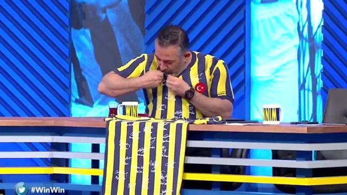 Tv8'de Fenerbahçe İçin Tarihi Bir Gece Yaşandı #WinWin