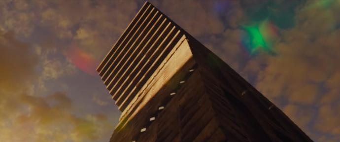 Kaosun Uzak Olmadığını Bize Gösteren High-Rise Filmindeki İmgeler ve Semboller