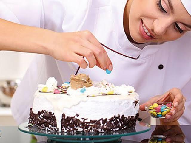 Kendi Mutfağınızın Pasta Şefi Olmaya Ne Dersiniz? İşte Pastalarınızı Tıpkı Pastaneden Çıkmış Gibi Gösterecek Pastacı Malzemeleri!