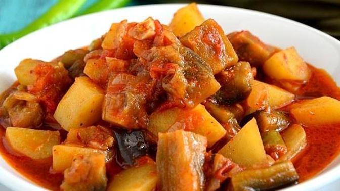 Türlü Tatları İçerisinde Barındıran Bir Lezzet: Güveçte Patates Patlıcan Yemeği