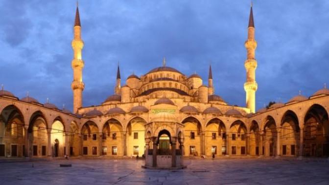 Bir Ramazan Gecesi Peşi Sıra Ziyaret Edebileceğiniz İstanbul'un En Güzel Camileri
