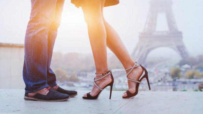 Önü Dar Ayakkabı Giyiniyorsanız Dikkat, Sizde De Halluks Valgus Olabilir!