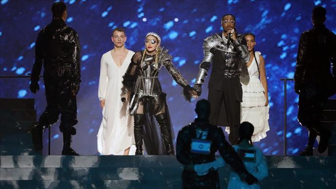 İsrail'de Düzenlenen Eurovision Şarkı Yarışması'na İzlanda ve Madonna Damga Vurdu (Filistin Bayrakları)