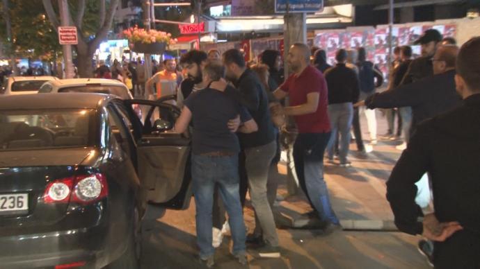 Bağdat Caddesi'nde Şampiyonluğu Kutlayan Galatasaraylı Taraftarlara Saldırı!