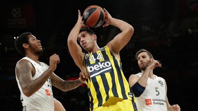 Anadolu Efes, THY EuroLeague'de İkinci Oldu. Fenerbahçe Beko da Final Four'u 4. Sırada Tamamladı