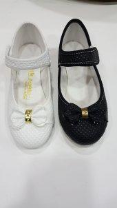 Beyaz/siyah kız çocuk ayakkabısı