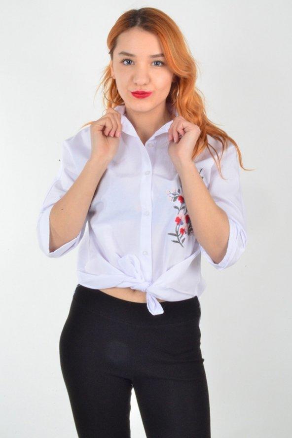 Nakışlı Beyaz Gömlek
