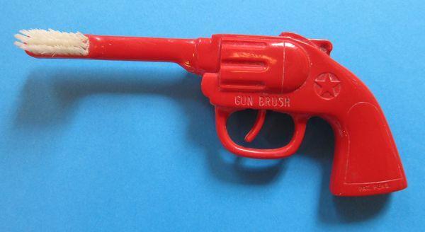 Mahkeme, Kaynananın Gelinine Fırlattığı Diş Fırçasını 'Silah' Olarak Değerlendirdi!