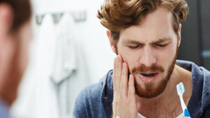 Beyni Uyuşturan Diş Ağrılarına Evde Uygulayabileceğiniz Pratik ve Doğal Yöntemler