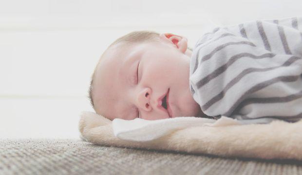 Yaz Aylarında Bebeğinizin Rahat Uyku Çekmesi İçin Yapmanız Gerekenler