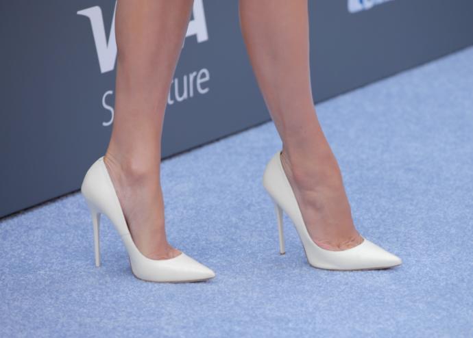 Yüksek Topuklu Ayakkabılar Leğen Kemiğinde Deformasyona Neden Oluyor
