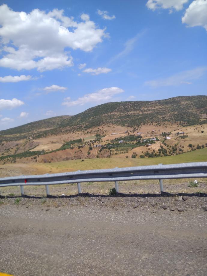 Her yer dağ, rakım 1700-2000 arası