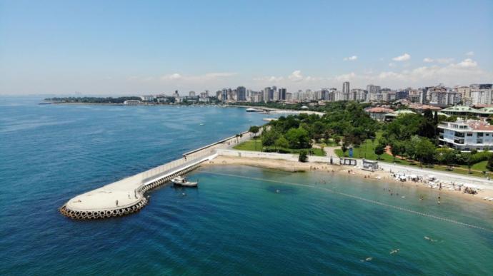 İstanbullular Bayramın İlk Gününde Caddebostan Plajına Büyük İlgi Gösterdi