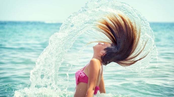 Tatilde de Harika Saçlara Sahip Olmak İçin Neler Yapılabilir?