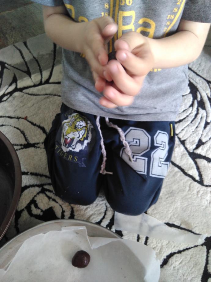 Oğlumun Ellerinden Sizlere Enfes Browni Kurabiye Tarifi