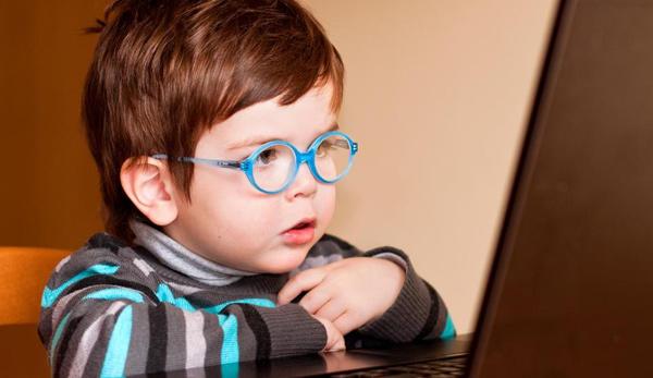 Teknolojinin Çocuklar Üzerindeki 3 Büyük Zararı