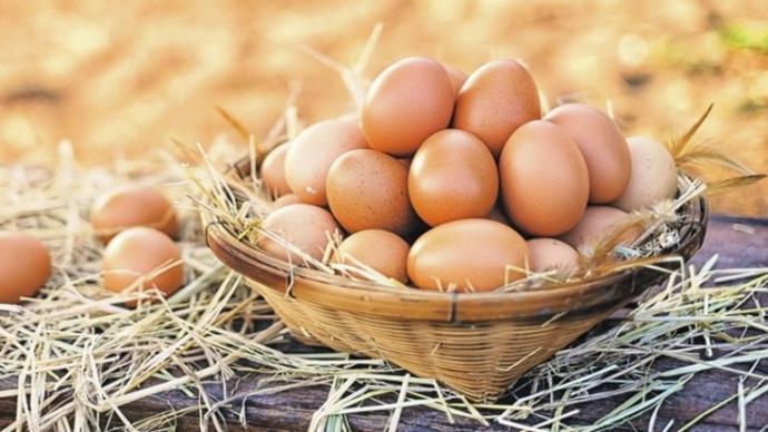 İçerisinde iyi kolesterol barındırır. Kas gelişiminde çok faydalıdır ve tok tutar.