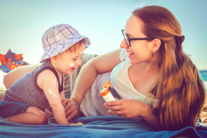 Çocuğumu Kavurucu Yaz Sıcağından Nasıl Koruyorum?