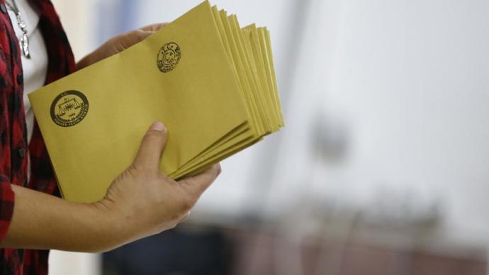 Yenilenen İstanbul Seçimi'nde Oy Verme İşlemi Sona Erdi