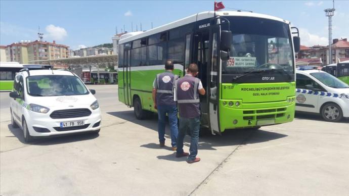 Kocaeli Belediyesi'nden Örnek Davranış: 2 Halk Otobüsü Toplu Taşımadan Men Edildi