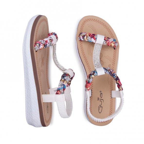 Çantama Uygun Beyaz Bir Sandalet