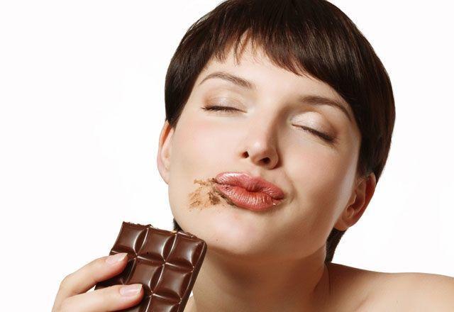 Tek seferde bir paket çikolatayı bitirmek