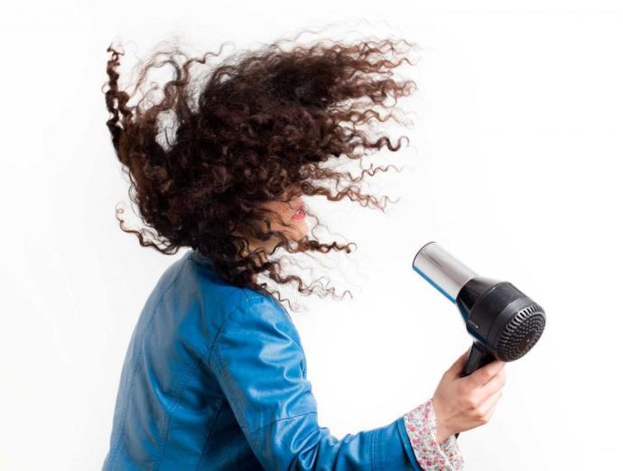 Kıvırcık Saçlar İçin Muhteşem Bakım Önerileri!