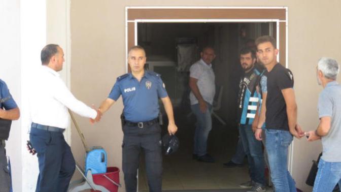 Pendik Saldırganlarını Kapıda Karşılayan Polis Amiri Görevden Alındı!