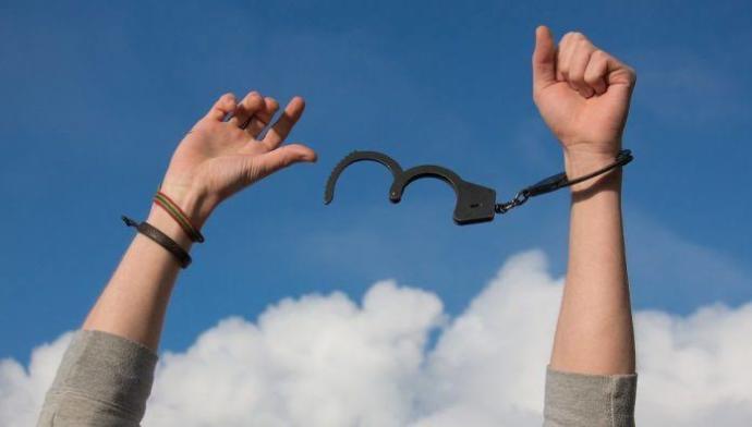 Toplum Baskısı Dilediğin Gibi Yaşamana Engel mi?