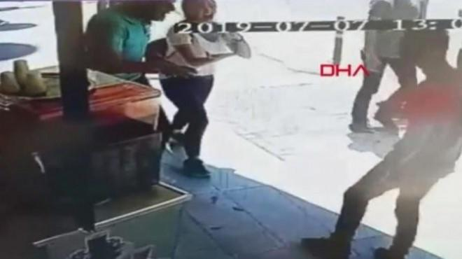 Genç Kız Önce Esnaftan Yardım İstedi, Sonra Yardım Eden Kişiye Tepki Gösterdi!