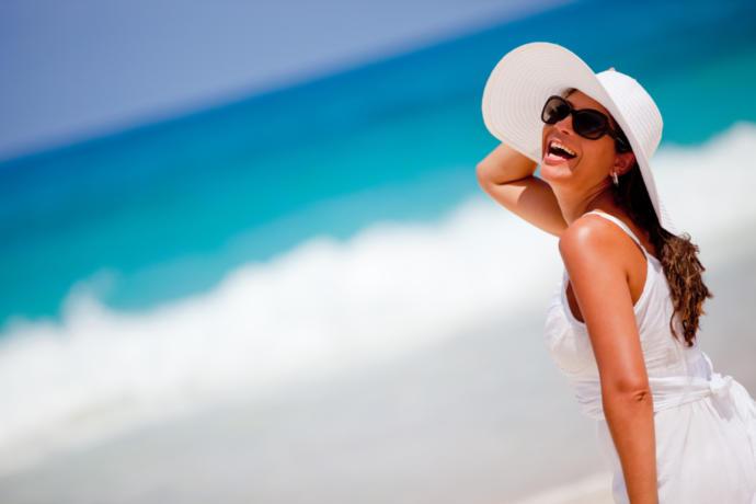 Bakımlı Kadınların Vazgeçilmez Tatil Çantasında Neler Olmalıdır?