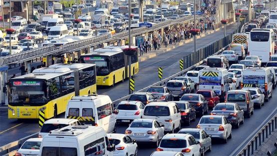 Bitmek Tükenmek Bilmeyen İstanbul Trafiği