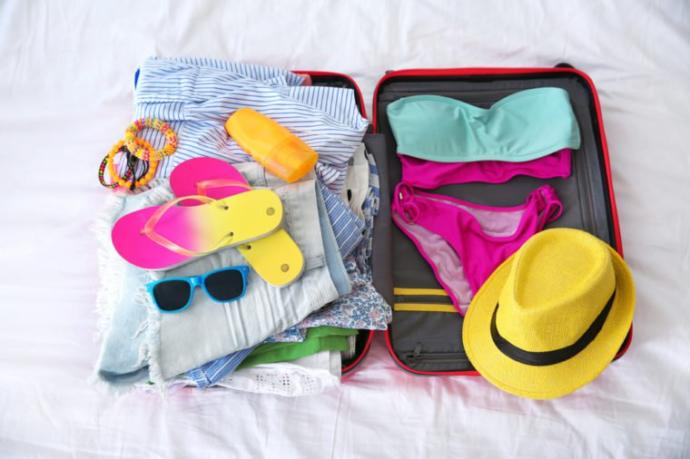 Kızlar İçin Tatil Bavulunda Olması Gerekenler Listesi