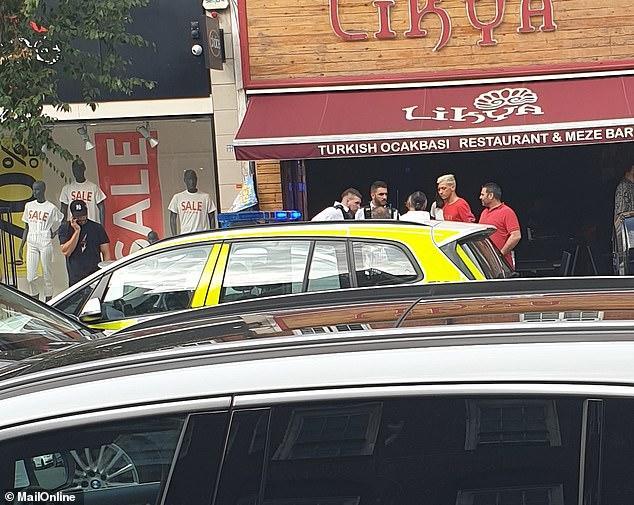 Mesut Özil'e Londra'da Bıçaklı Saldırı! (Video Haber)