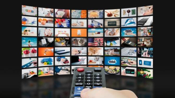 Görmek İstemediğiniz Reklam Panoları, TV Programları ya da Haberleri Yok Etmenin Yolu: IRL Glasses!