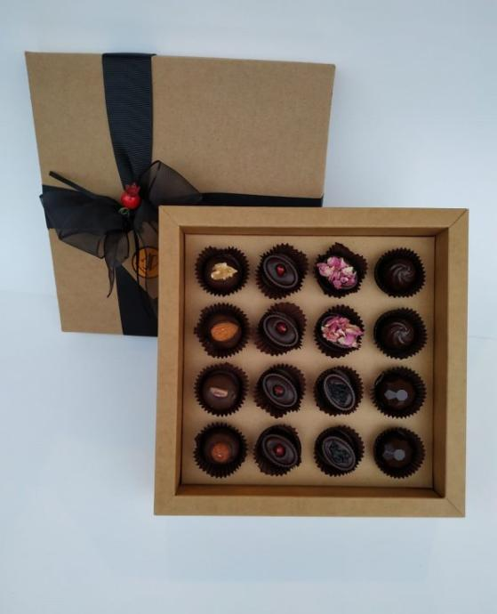 Nihal Sevilmen Özel Çikolata 16'lı Kutu