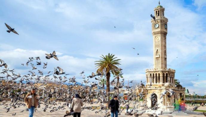 İzmir'den bir kare olmalı.