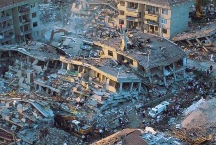 99' depremi