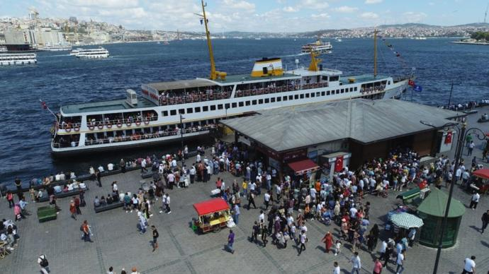 Bayramı İstanbul'da Geçirenler Adalar'a Akın Etti!