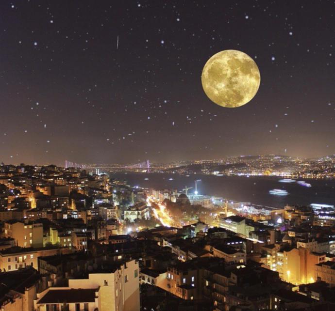 Galata kulesinden gece manzarası (İstanbul)