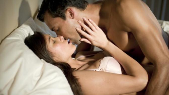 Kadınını Yatakta Mutlu Etmek İsteyen Erkeklerin Yapmaması Gerekenler