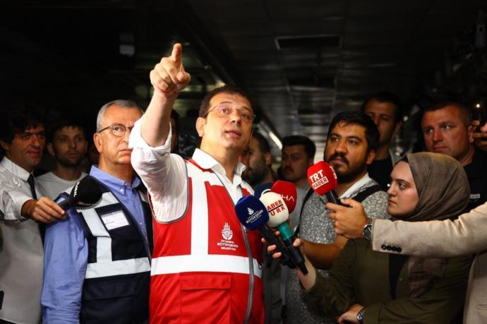 Başkan Ekrem İmamoğlu İstanbul'da Yağıştan Etkilenen Yerlerde İncelemelerde Bulundu
